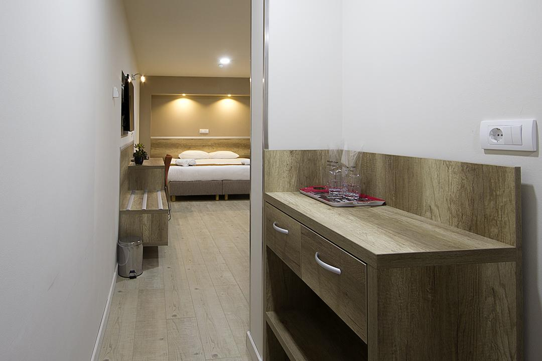 Room Deluxe +